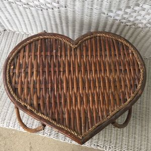 VTG Heart Shaped Picnic Basket w/Red Plaid Lining